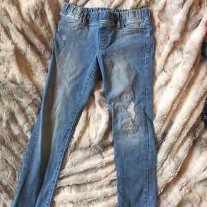 Adorable distressed jeans